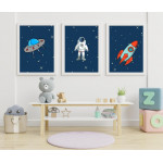 مطبوعات فنية جدارية بإطار خشبي غير عادي ، رائد فضاء - من اكسترا اورديناري - حجم A3